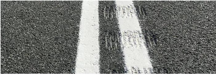 Carreteras que avisan del abandono de carril.